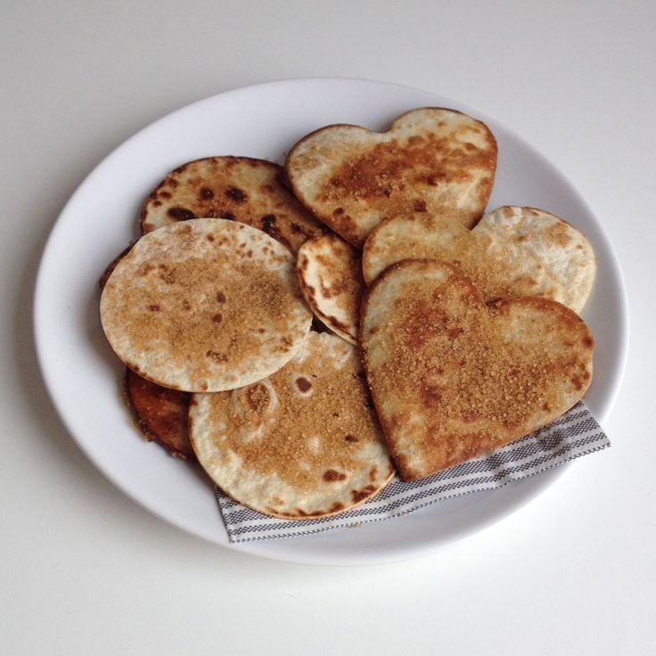 Kaneelsuiker tortilla koekjes http://wateetjedanwel.nl/kaneelsuiker-tortilla-koekjes/