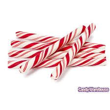 Peppermint candle making fragrance has a strong, clean, fresh, minty aroma.