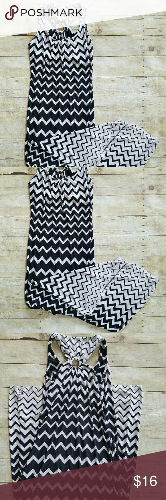 Emma Michelle black and white chevron maxi dress Cute chevron maxi dress, gently used with no flaws Emma Michelle Dresses Maxi