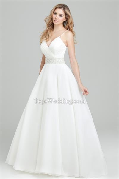 Вешать свадебное платье за лямки