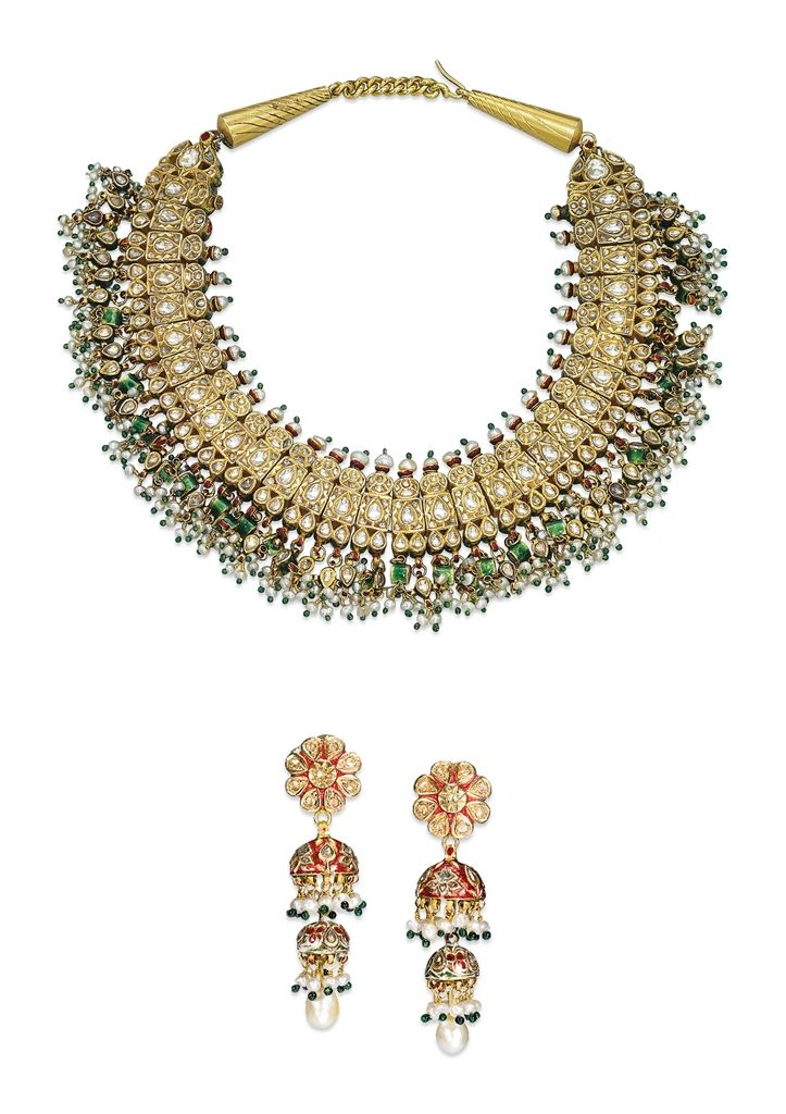 A SET OF ANTIQUE INDIAN DIAMOND, PEARL, EMERALD AND ENAMEL JEWELLERY