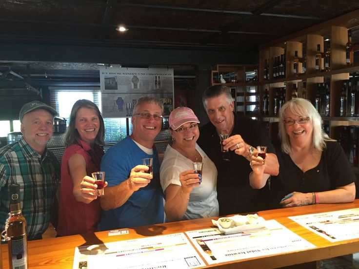 Cheers to our new friends from Arizona, California and Michigan! Hope you had a great trip in Canada and come back soon !