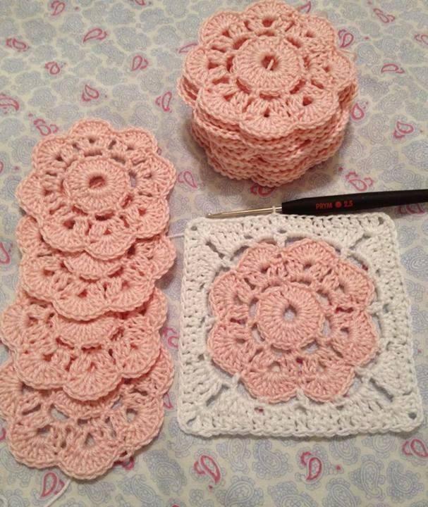 kavun içi renkli çiçek motifli güzel örgü motif modeli