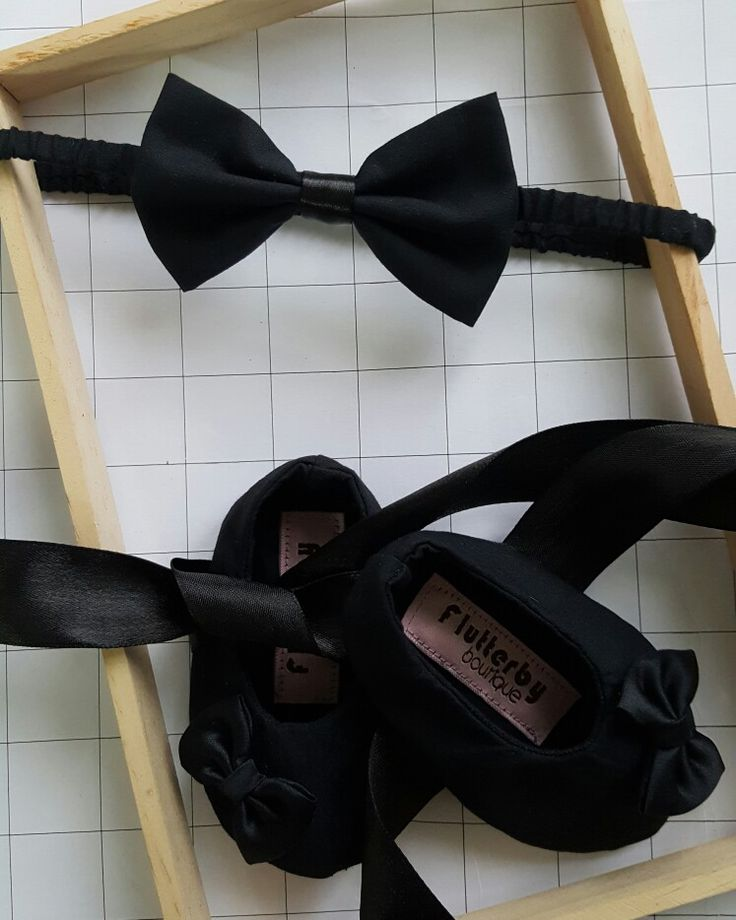 Black fabric ballet  shoes with bow headband