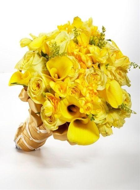Yellow wedding flowers http://girlyinspiration.com/