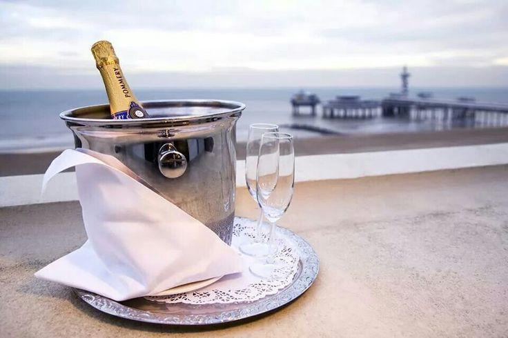 Champagne met strand.