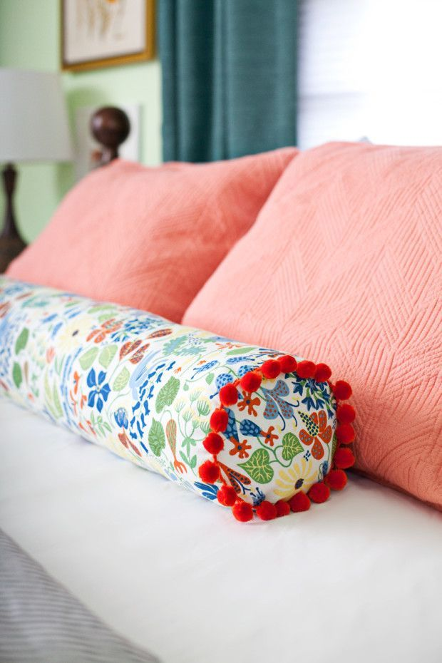 Sewing Decorative Bed Pillows : DIY Sewing a Bolster Pillow