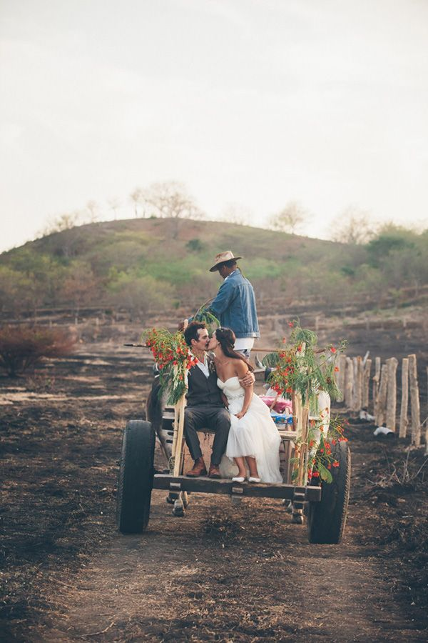 Rustic Nicaragua Destination Wedding ceremony by Parker Young Photography - http://www.dailyweddingideas.com/wedding-ideas/rustic-nicaragua-destination-wedding-ceremony-by-parker-young-photography.html