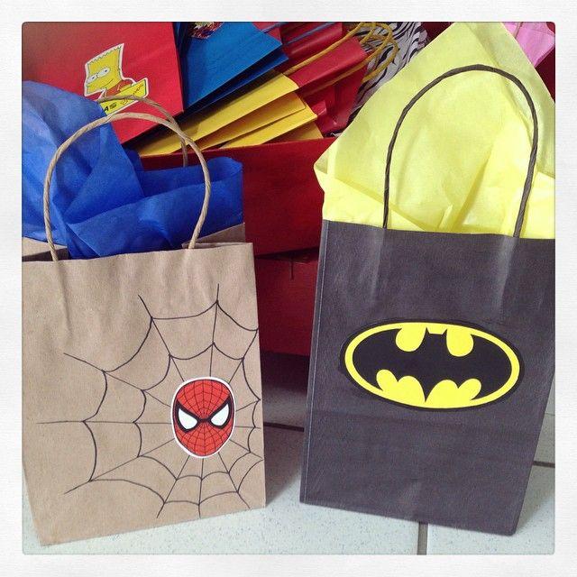 Sempre heróis: Homem Aranha e Batman! #sacolinhas #exclusividade #ratchimbum #loja #novaodessa