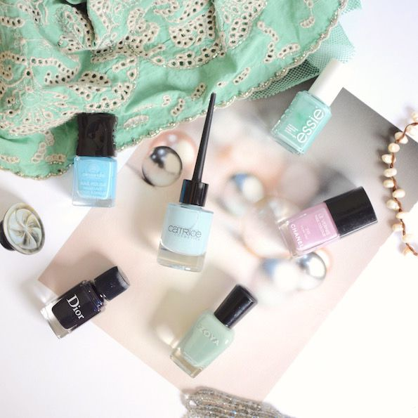blue nail lacquers