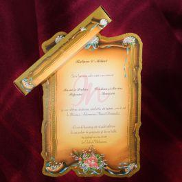Invitatia este prezentata sub forma unei coli de papirus maro. Pe margini sunt imprimate in relief floricele colorate, cu accente aurii. Invitatia se ruleaza si se introduce intr-o cutie cu aceleasi elemente si este inclusa in pret. #invitatie de #nunta #mirese #miri #invitatii #elegante #originale