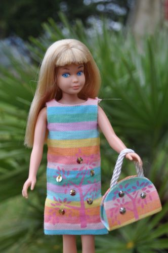 "Vintage Blonde Skipper wearing ""Sunny Pastels"" from 1965"