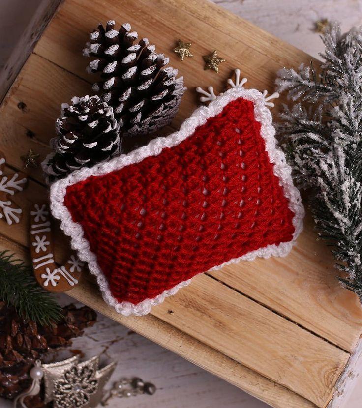 Newborn Posing Pillow, Crochet newborn pillow - beautiful Christmas photography prop, newborn pillow prop, newborn props, Made to order by Amaiahandmade on Etsy