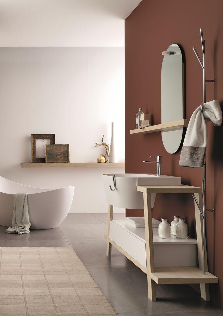 Composizione C26  Cavalletto da 140 cm in rovere ecrù con lavabo canestro 62 e cassettiera laccata bianco opaco. visibile presso nostro Showroom