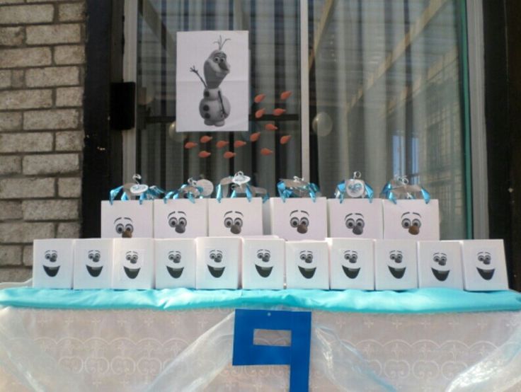 Frozen party Olaf party bag & popcorn boxes