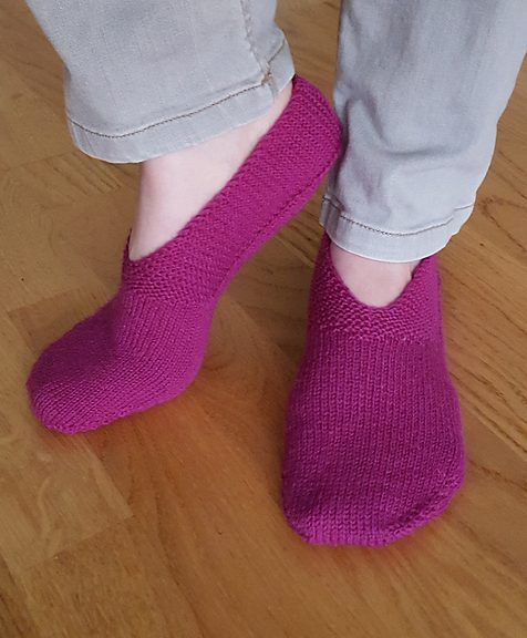 Free Knitting Pattern for Geranium Slippers - Sybil R's ...