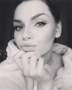 #ecopic #blackandwhite #instapic #kiss #eyes #eyebrow #eyeliner #eyelashes #lashes #fakelashes #lips #selfie #mua #makeup #makeupaddict #makeupartist #eyemakeup