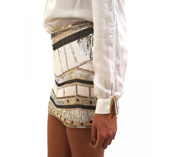 Falda lentejuelas plata Falda bordada con lentejuela. Cierre con cremallera lateral. www.ties-heels.com #tiesheels #shop #shoponline #new #newcollection #nuevo #instamoda #instafashion #instagood #tienda #trendy #moda #soon #skirt #sequins #night #Sparkly