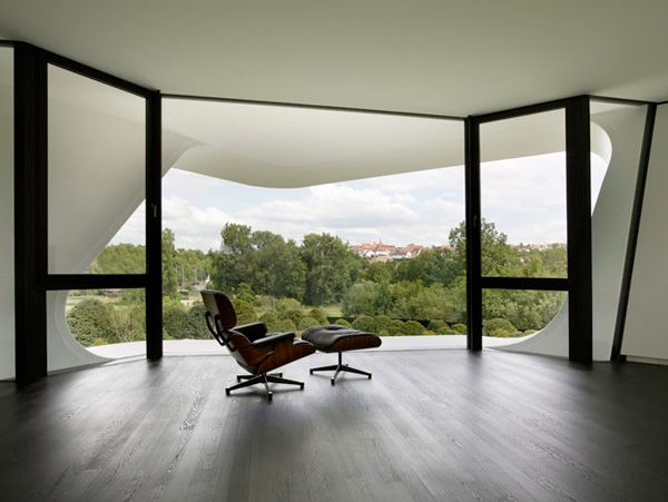 Charles Eames Lounge Chair: Lounges Chairs, Futuristic Architecture, Futuristic Design, Open Spaces, Modern Building, Double Time, Modern Houses, Modern Home, Houses Design