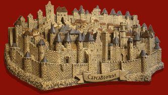 #Grande #figurine de #Carcassonne (L'histoire de Carcassonne est directement liée à celle de la #cité. C'est en 1247 que la #ville s'étend réellement hors de la cité. Il s'agit de la ville basse ou #bastide Saint-Louis)