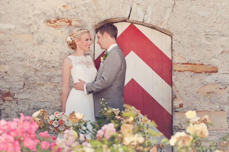 *nh - Nastassja und Hendrik  #wedding #weddinginspiration #roses #romantic #hochzeit #vintage #hochzeitsfotografin #ruhrgebiet #rittergut #störmede #brautfrisur #flechtfrisur #portrait  #rose #coral #koralle #creme #lace