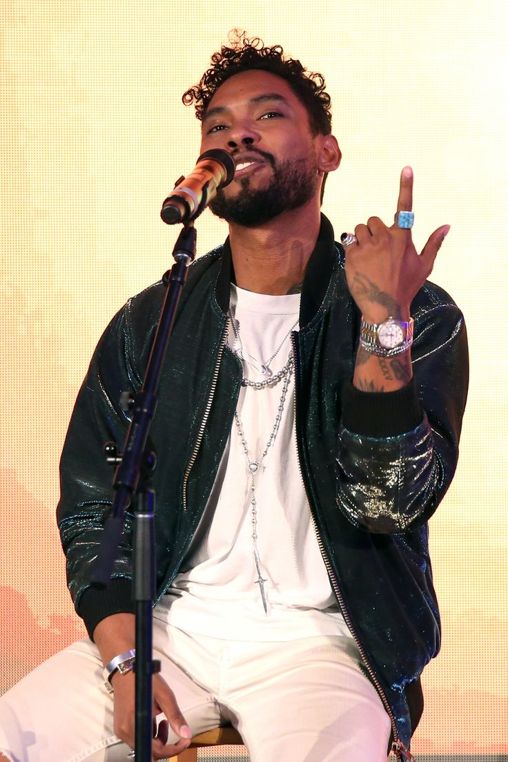 """Miguel Performs at Samsung's """"Creators Lounge"""" during his visit to VidCon '16 in Anaheim. Click the pic to peep our full coverage in MANSION Men's Magazine."""