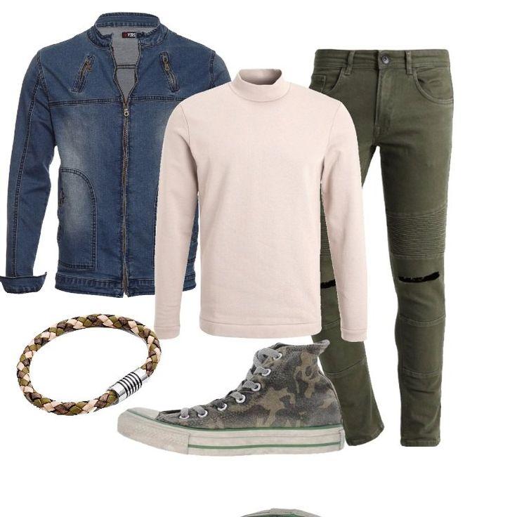 Comoda+e+pratica+giacca+in+jeans,+zip+in+fronte,+tasche,+colletto+alto,+abbinata+a+jeans+slim+fit,+oliva+con+strappi.+Felpa+sabbia,+collo+alto,+zip+decorativo+sul+fondo,+sneakers+Converse,+alta,+fantasia+camouflage,+bracciale+in+pelle+intrecciata+multicolore,+chiusura+in+acciaio.