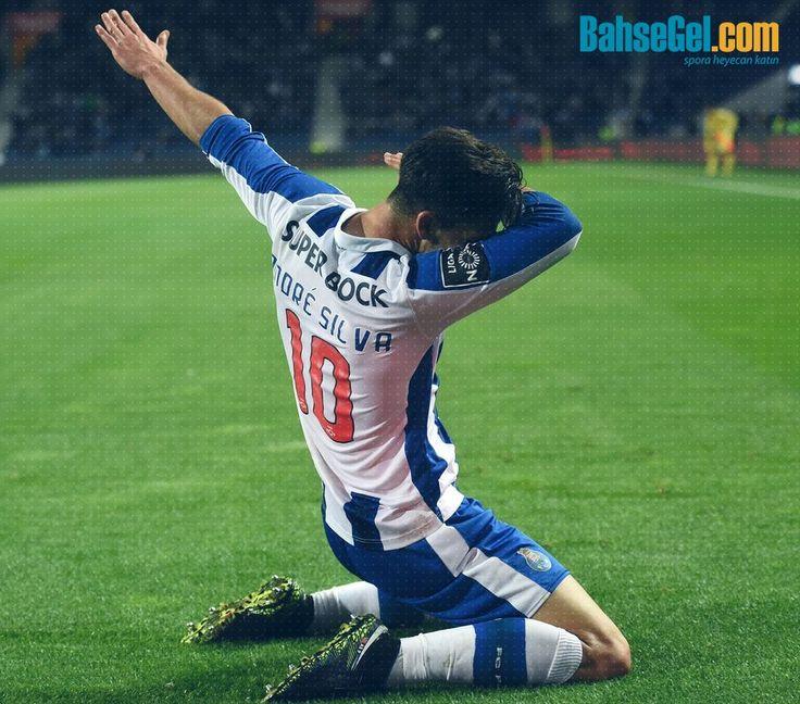 Geçtiğimiz sezon #Porto'da 20 gol 7 asistle oynayan Portekizli genç yıldız Andre Silva 38 milyon euro karşılığında #Milan'a transfer oldu.