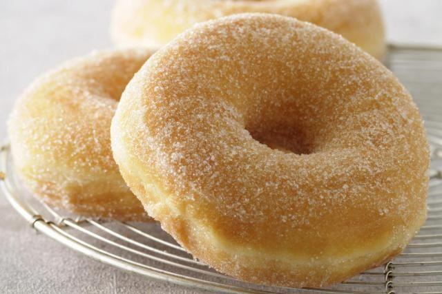 get your doughnut fix with this perfectly plain doughnut plain cake ...