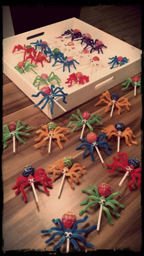 Iets Nieuws Invasion of the spiders! #traktatie school | Lunch box notes in @WA92