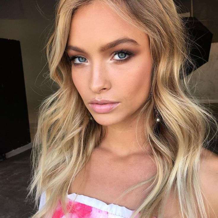 Gorgeous Glowing Natural Makeup Blonde Highlights And