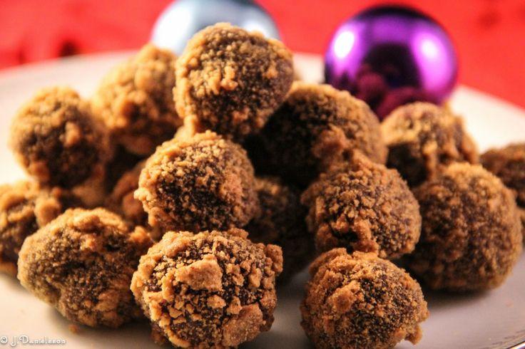 Tryffelbollar Med Pepparkakskross #tryffelbollar #tryffel #pepparkakskross #godis #julgodis #slankosund