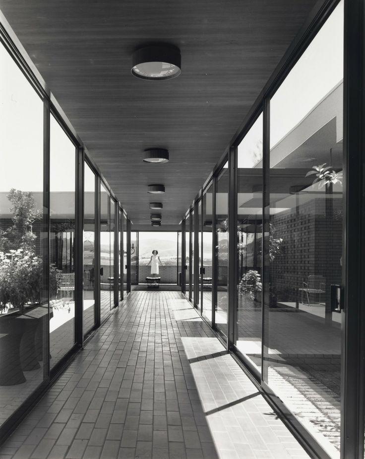 SHULMAN, JULIUS (1910-2009) [Case Study House No. 28 (Janss Development), 91 Inverness Road Thousand Oaks, CA. 1966. Buff, Hensman and Associates architects].