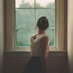 escucho cuando llegas y me asomo para decirte con mis ojos te extraño tanto q no se q hacer tal vez ya ni me vuelvas aver por q qisas me cambie de casa