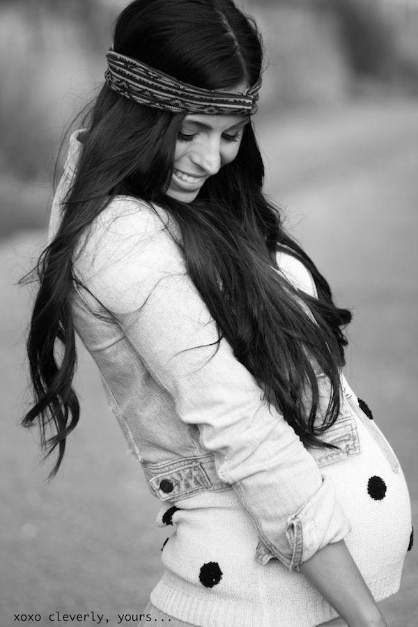 Baby bump under a cropped jean jacket!!!!!!!!!! (Boho maternity!!!)