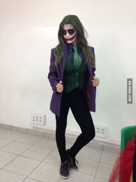 I present you miss Joker. Makeup by me and that's me<~ Wowza, that's a good cosplay!