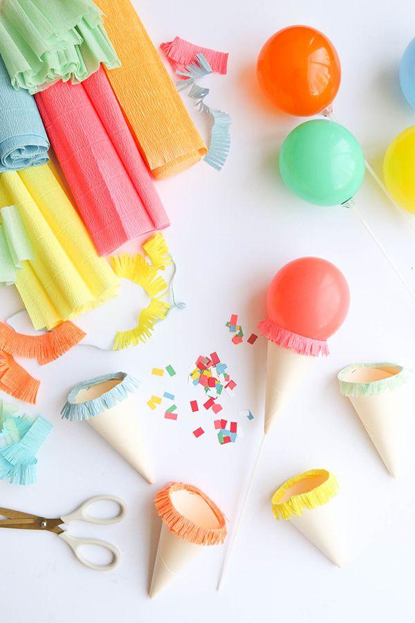Fala se não é a coisa mais fofa o tutorial de hoje??Quem vai fazer Festa Sorvete, vai se encantar com esta sugestão.Vamos aprender a fazer este sorvete feito de balão.Imagens e tutorial Oh...