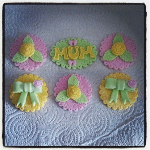 Mothers day toppers #rachelscupcakes
