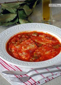 Bacalao en salsa de tomate y pimiento verde. Receta de Semana Santa