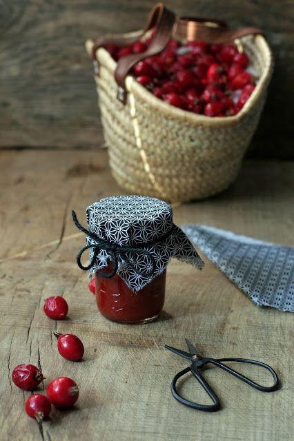 Szwedzka konfitura z owoców dzikiej róży.