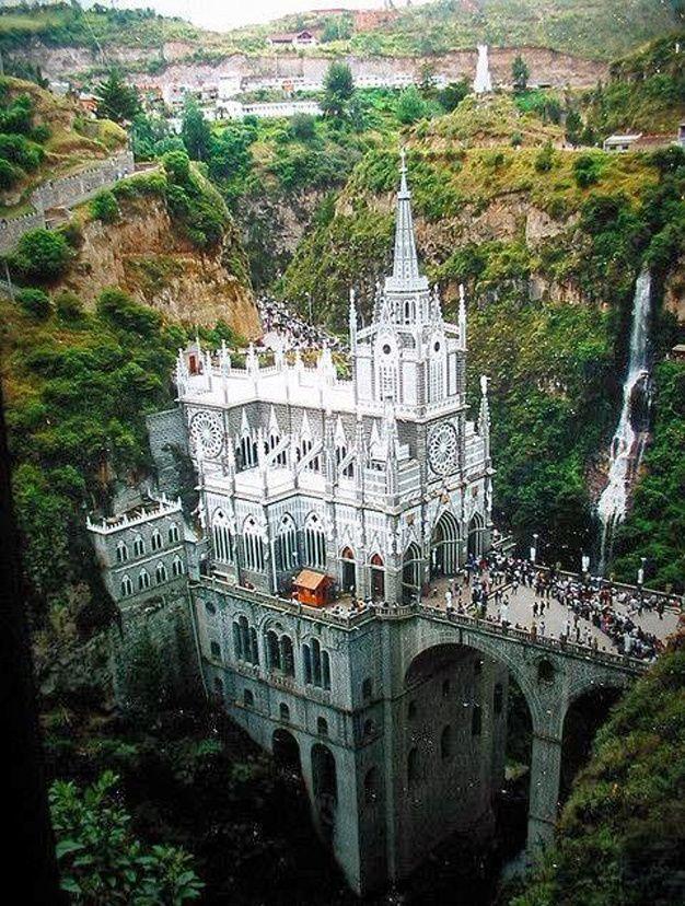 Les destinations les plus spectaculaires du monde - Sanctuaire Las Lajas Colombie