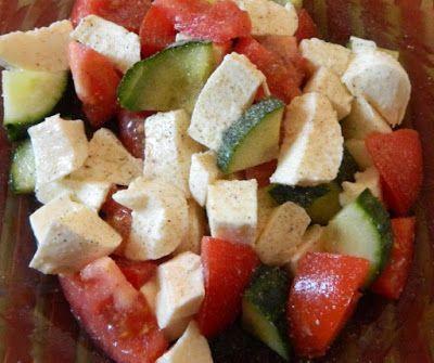 Mozzarellás paradicsomsaláta (könnyű diétás vacsora recept, paleo változatban is) ~ Éhezésmentes Karcsúság Szafival