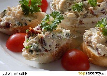Pomazánka ze sušených rajčat a balkánského sýru recept - TopRecepty.cz
