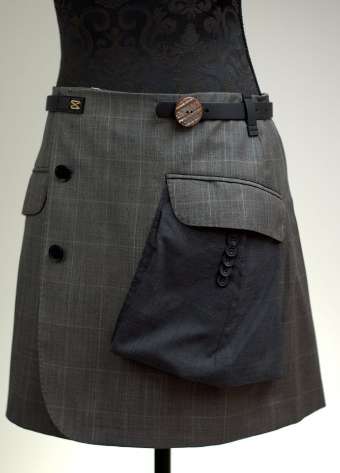 Recycled men suit. I dont like the inside out pocket, but otherwise, this is really creative. jetzt neu! ->. . . . . der Blog für den Gentleman.viele interessante Beiträge  - www.thegentlemanclub.de/blog