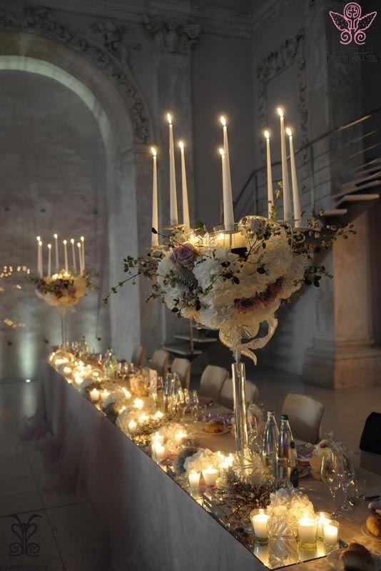 Allestimento navata @CastleOfAngels tavolo #imperiale #candele #viola #matrimonio #purplewedding #atmosfera