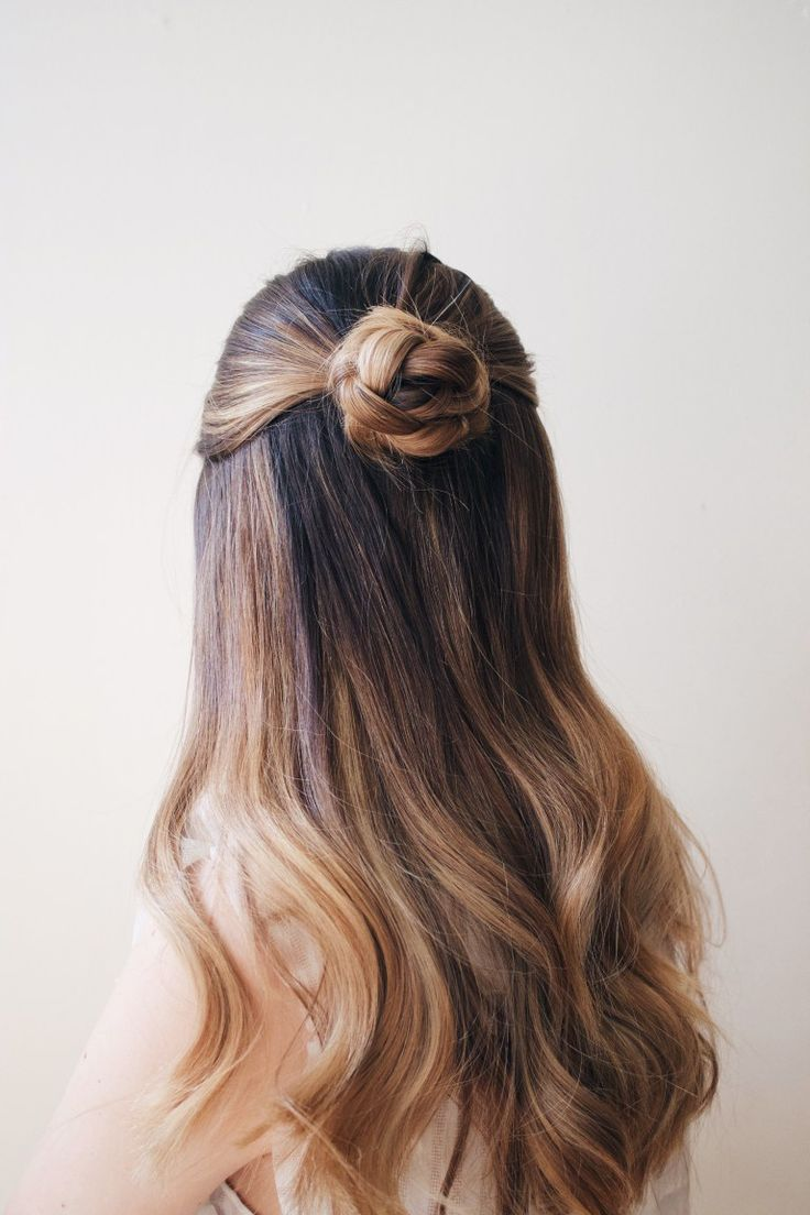 how to do a quick and easy rosette braid half up, half down hairstlye