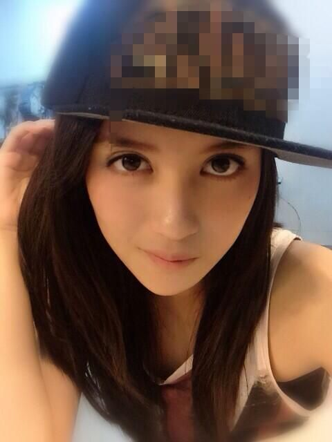 Nabilah Ratna Ayu Azalia / Ayu-chin (アユチン) is a member of JKT48's Team J.
