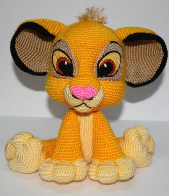Simba from the Lion King Pattern available for a wee fee at Ambercraftstores Etsy store. Cute right?