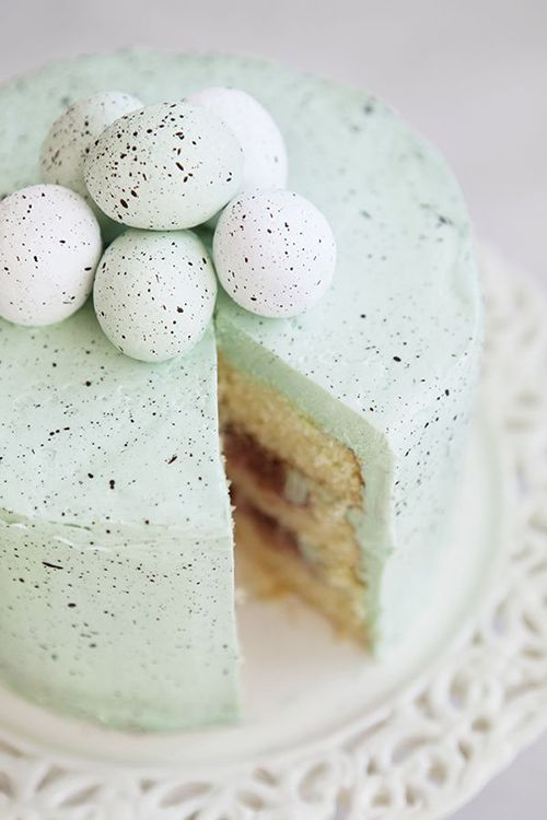 Speckled egg liqueur cake {too cute to eat!}