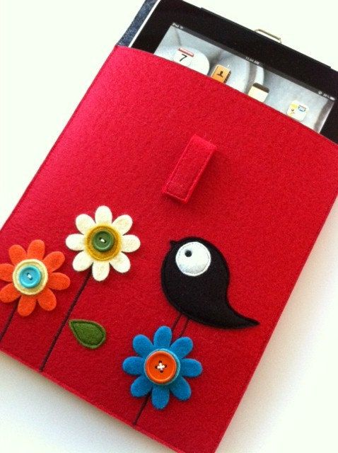 So cute! Felt iPad case. :)